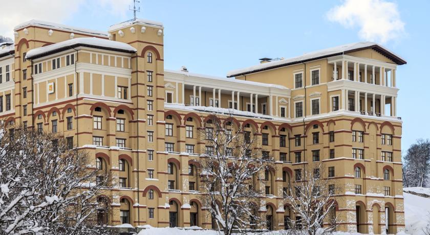 Встретить Новый год на горнолыжных курортах в Красной Поляны